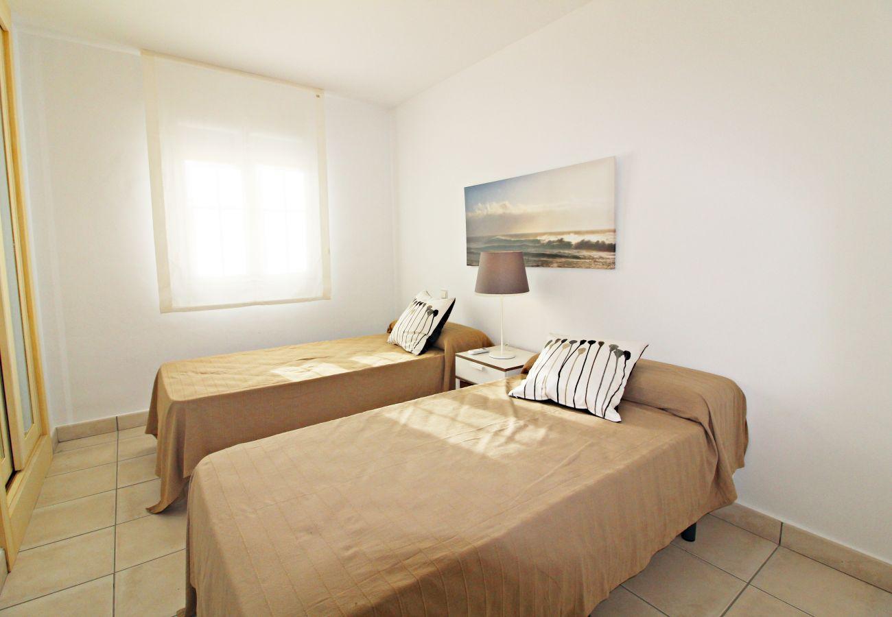 Townhouse in Vera playa - Las Casitas II - 150m from beach, WiFi, communal pool